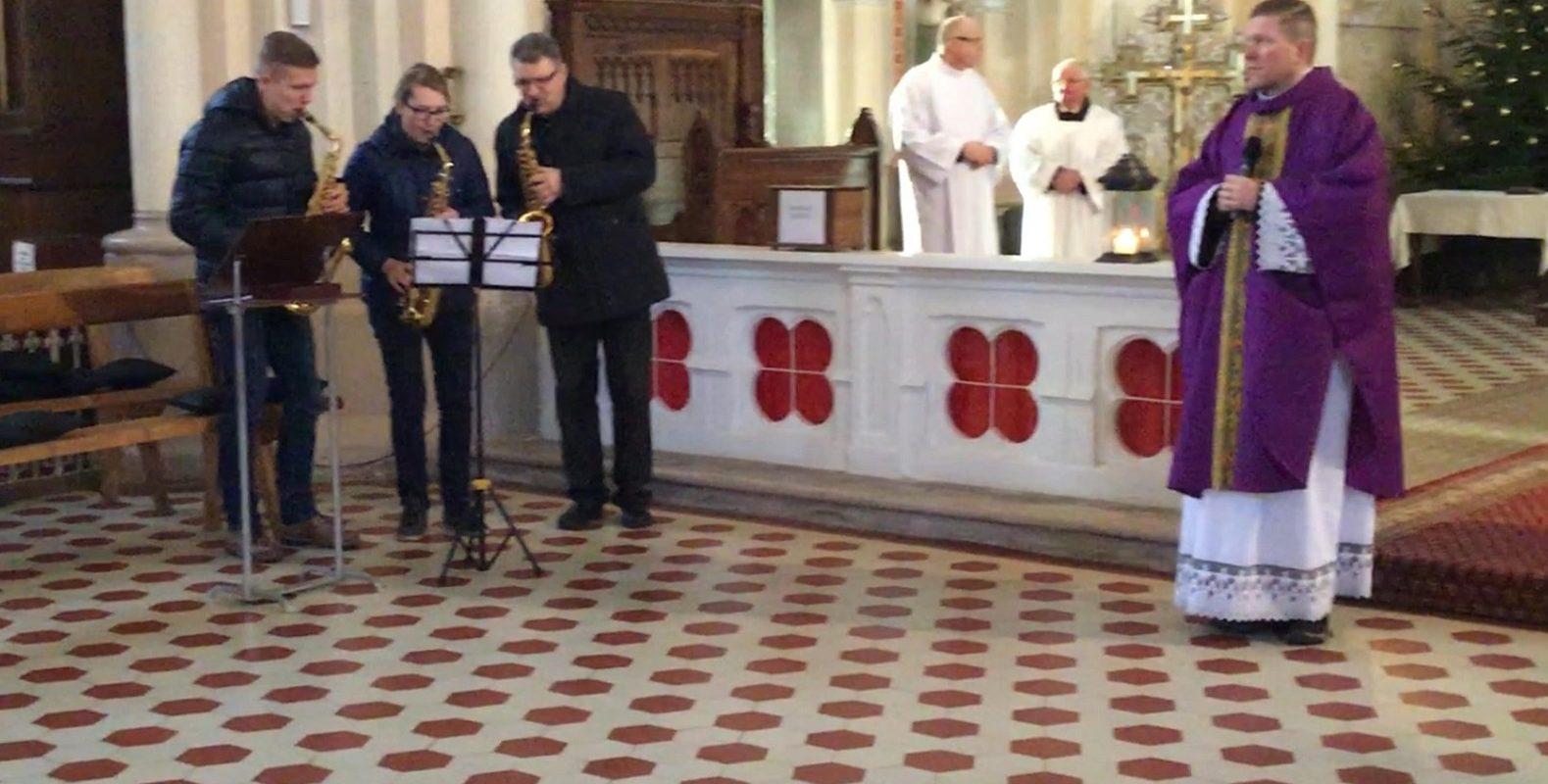 saksotrio